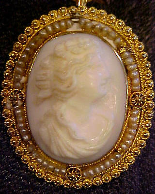 PRETTY VINTAGE 10K YELLOW GOLD PEARL FRAMED 35X25mm ITALIAN CARVED CAMEO BROOCH
