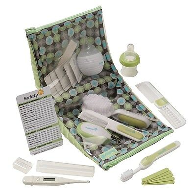 Nail clippers, hair brush and more... SAFETY 1ST DELUXE HEALTH & GROOMING KIT