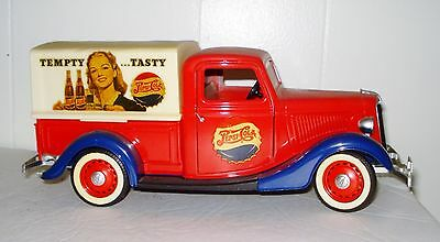 Vintage French Die Cast Pepsi Cola Ford V8 Truck Beautiful Scale 1:19  Nr
