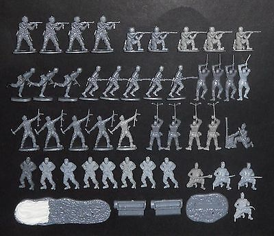 Revell WWII German Paratroopers - Set 02500 - 47 pezzi scala 1:72 Occasione!