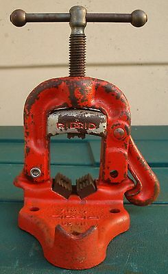 """RIDGID No.20 1/8"""" - 1 1/4"""" SMALL HINGED PIPE VICE IN GOOD USED CONDITION"""