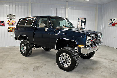 1991 Chevrolet Blazer  1991 K5 BLAZER 4X4 350 A/C FULLY RESTORED SHOW OR GO! MUST SEE!! AWESOME!