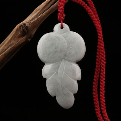 The Chinese natural jade Buddha pendant The leaves