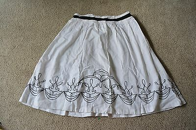 Hillard & Handson Black White Embroidered A-line Skirt Size 10