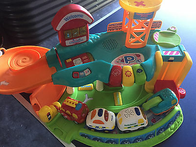 Vtech Toot Toot Drivers Garage Activity toy with 4 vehicles