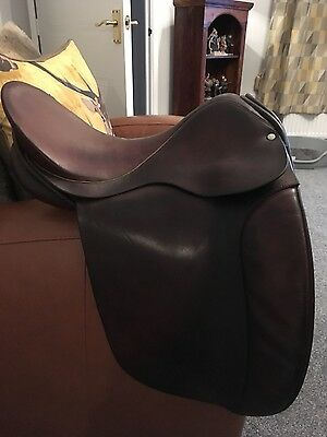 brown leather dressage saddle 171/2