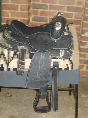 Western show saddle black and silver