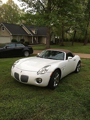 2008 Pontiac Solstice  Beautiful '08 Pontiac Solstice convertible