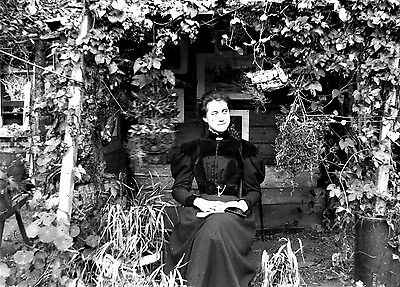 Photographic Glass Negative Young Lady Stanwardine Hall Shropshire 1914!