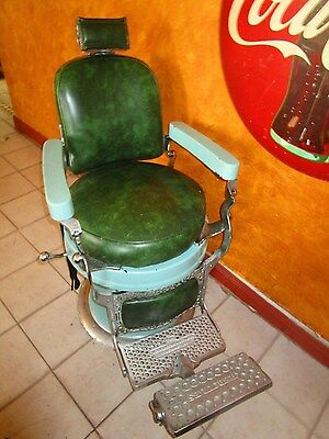 Antique Barber Chair Hercules Berninghaus PAT MAY 28 1901 K1..Working condition