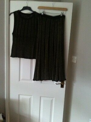 Lovely Zara woman suit skirt and matching top size large