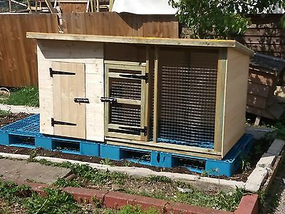 dog kennel and run, chicken coop / house, cat house