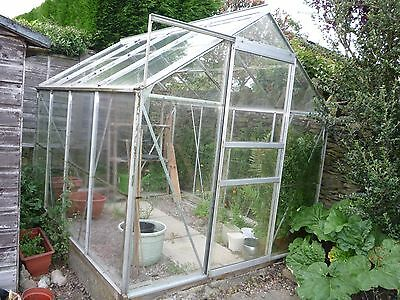 6' x 8' Greenhouse with aluminium frame and sliding door