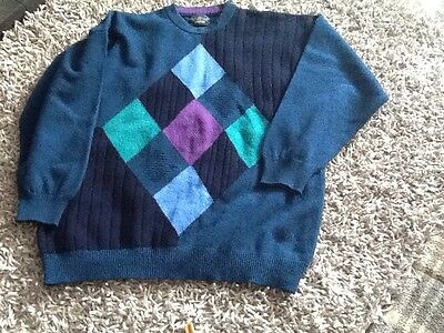 Beautiful Men's Pure New Wool Jumper Size L From The Sweater Shop