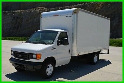 2007 Ford E350 16ft Box Truck with Pull Out Ramp