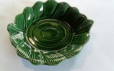 majolica green dish vintage leaf good condition
