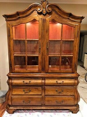 Ethan Allen China Cabinet Buffet Tuscany Perfect Condition