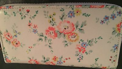cath kidston purse wallet bleached flowers cream bnwt picclick uk. Black Bedroom Furniture Sets. Home Design Ideas