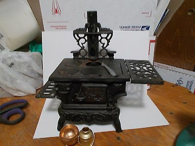 Vintage Crescent Miniature Toy Cast Iron Stove Salesman Sample W/ Accessories