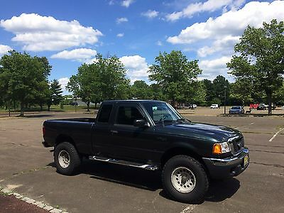 2004 Ford F-100 XLT FORD RANGER XLT  2004 WITH SNOW PLOW