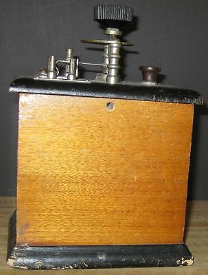 Halliwell Electric Co. Coil? Wooden Box J-75095