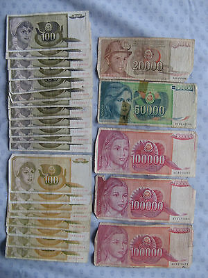 Yugoslavian banknotes. 372,000 Dinar ( in 25 notes. )