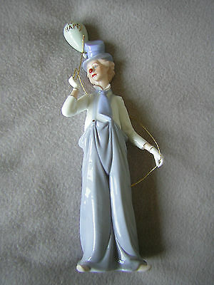 Stunning Figurine Of 'a Clown Holding A Balloon'. - '66' - Lovely Item!!.