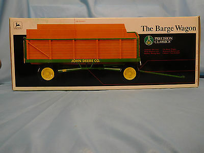 1:16th Scale John Deere Barge Wagon Precision Classics by ERTL