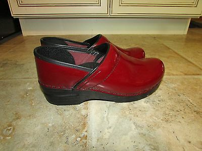 Dansko Red Patent Leather Professional Shoes Clogs Size 38 Or 8