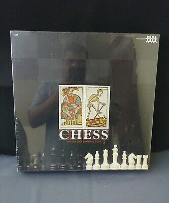 VINTAGE PRESSMAN CHeSS BOARD GAME WITH ONE PIECE EVERLASTING BOARD