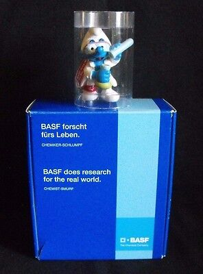 Smurf Schlumpf Schtroumpf ~ BASF Chemist with original box ~ Dark Red Tag