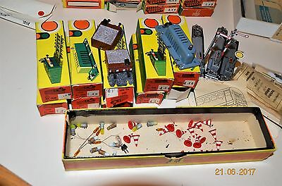 Lot Assorted TT Scale Train/Track Accessories, Signals, Lights, People