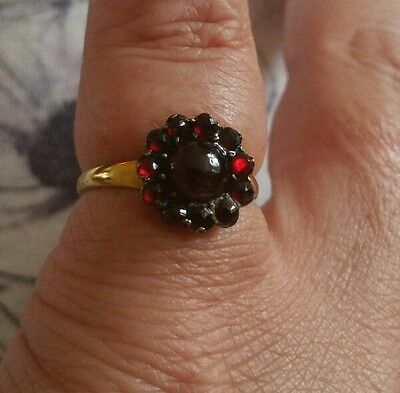 Antique 9Ct Gold Garnet Cluster Ring