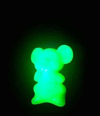 Uranium Glass Willie The Mouse Figure Boyd glass