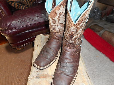 ARIAT SQUARE TOE WESTERN BOOTS size 8B