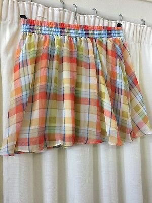 New Ladies Checked Skirt Size S. (B1)