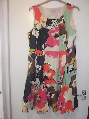 Stunning Phase eight Floral Dress Size 18 Mother of the Bride Wedding