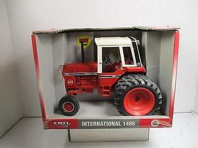 1/16  Scale Ertl International 1486 Tractor