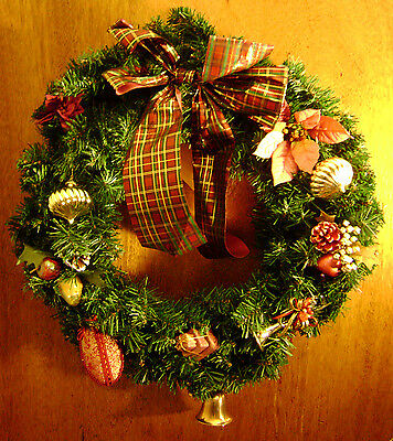20'' VINTAGE CHRISMTAS WREATH - 1980s Green Pine Ornaments Bow Decorated :Large