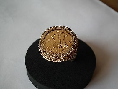 22ct Gold Half Sovereign (1982) in 9ct Ring mount, size T, not scrap
