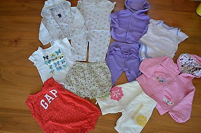 BABY GIRLS BUNDLE FROM GAP IN SIZE 6-12 MONTHS Excellent!!