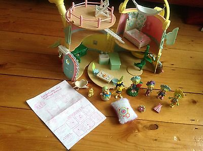 Fifa and the flowertots cottage playset