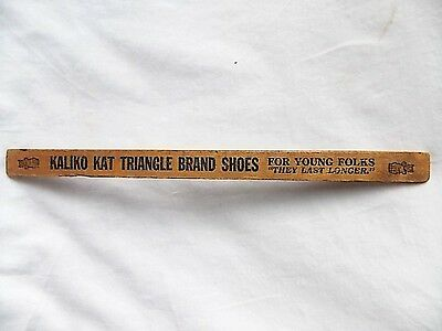 Vintage Kaliko Kat Triangle Shoes Ruler Cat Wearing Bowtie