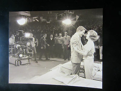 "8x10 photo Mary Tyler Moore, live TV audience 1961 episode ""Dick Van Dyke"" show"