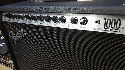 Fender Roc Pro 1000 Guitar amp with Extension Cab