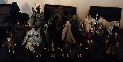 Lot Figurines Lord Of The Ring En Resine Souple
