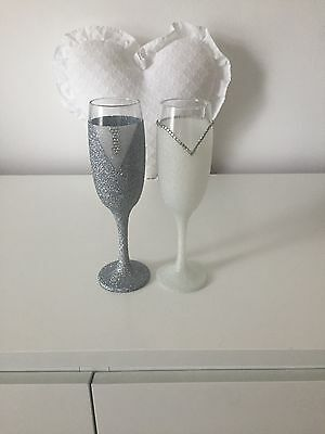 Bride & Groom Sparkle silver and white Champagne flutes
