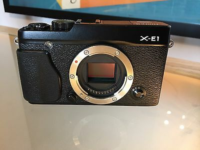 Fujifilm X series X-E1 16.3MP Digital Camera - Black (Body Only) GREAT CONDITION