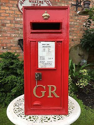 Original George 5th Wall Mounted Post Box - Immaculate