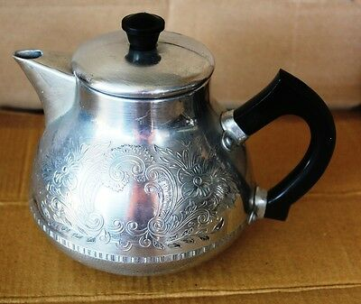 Vintage Swan Brand Tea Pot  England  1.5 Pints    The Carlton